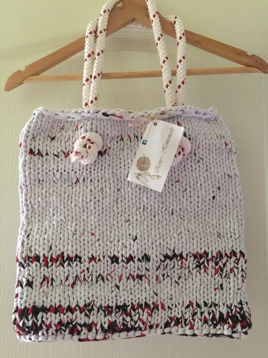 Чанта - ръчно плетена от рециклирани тениски