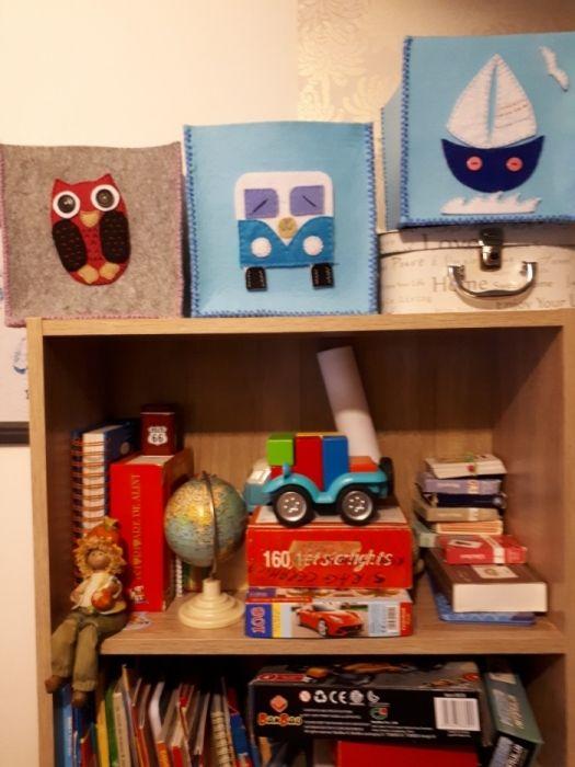 Cutii depozitare in biblioteca, din fetru, hand-made!