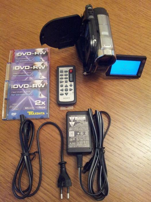 Camera VIDEO SONY - DCR - DVD 310 E inregistr direct pe mini DVD-+R/RW