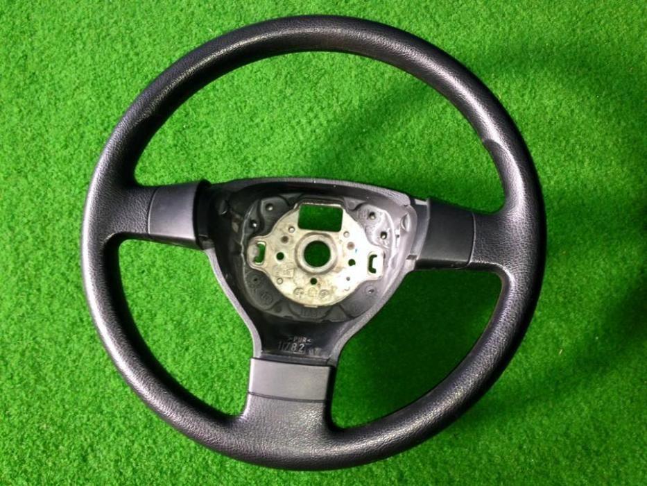 Volan clasic VW Passat, Golf V,Plus, Tiguan,Touran , Eos, Jetta, Caddy