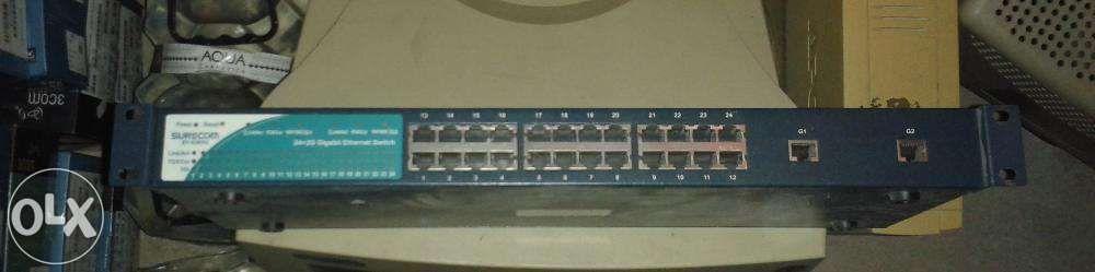 switch Surecom 24 porturi 2 porturi gigabit ep 826dg