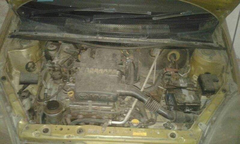 Toyota vitz bem conservado Alto-Maé - imagem 6
