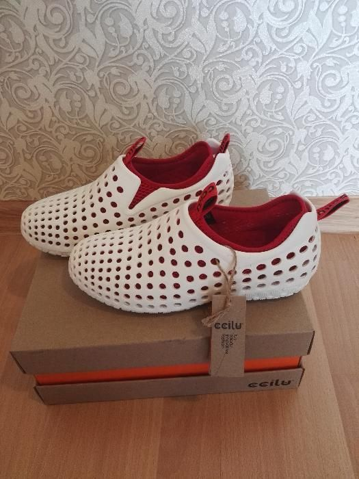 летни обувки
