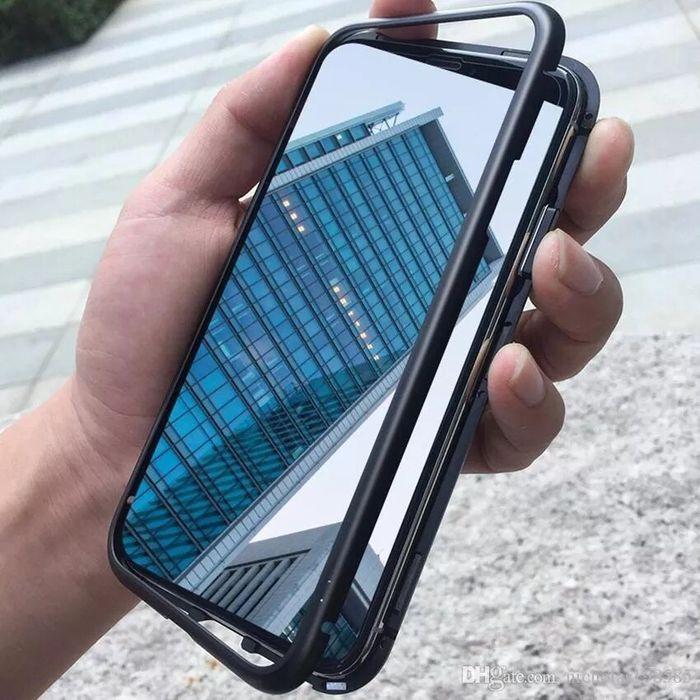 Capa Magnetica pra IPhone 8plus disponível cor preta