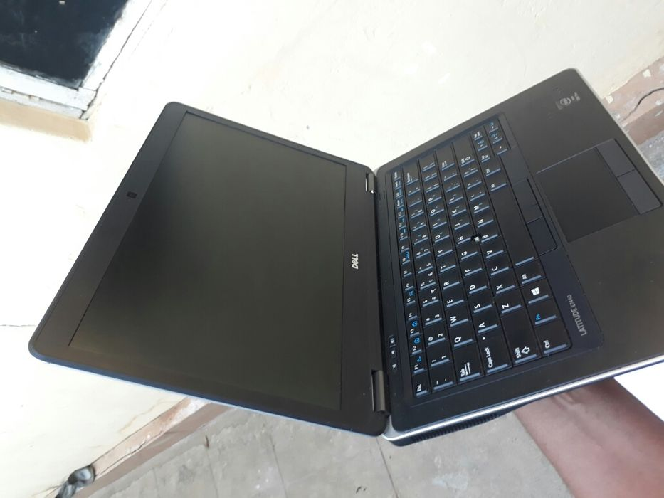 Ultrabook Dell latitude E7440 core i7 Sommerschield - imagem 2