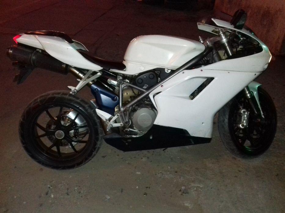 Ducati 848 racing no limao