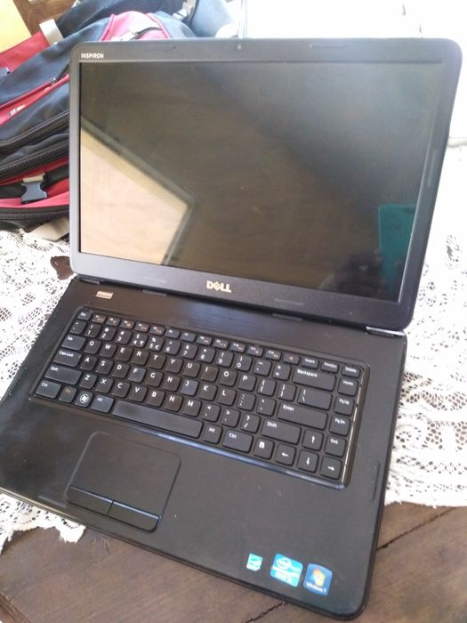 Dell core inspirion 15 Intel core i3_2350m 2.30ghz 4gb ram 500gb hdd