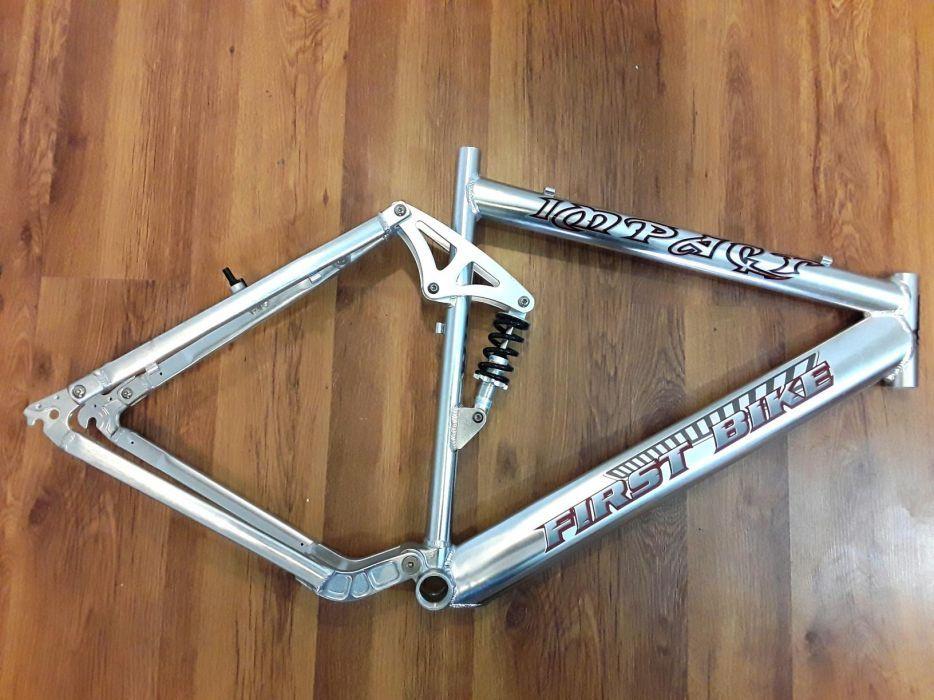 CADRU DIN ALUMINIU cu suspensie pentru bicicleta MTB cu roti 26 - NOU
