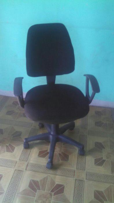 Cadeiras para escritorio segunda mao ainda semi novas