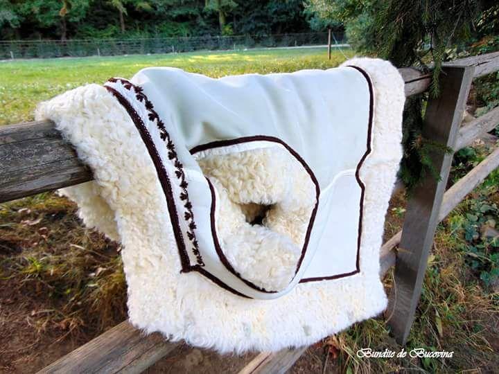 Bundițe tradiționale din blană naturală