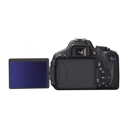 Canon 600d cu obiectiv 18-135