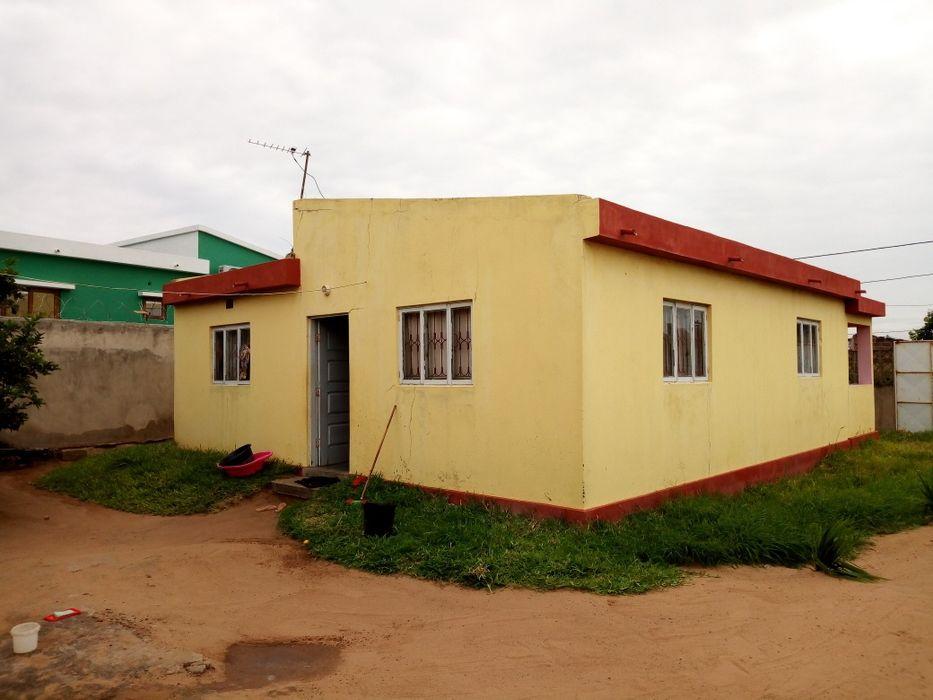Vende-se casa t3 em Guava, num espaço de 15/30 com um anexo t2 A casa