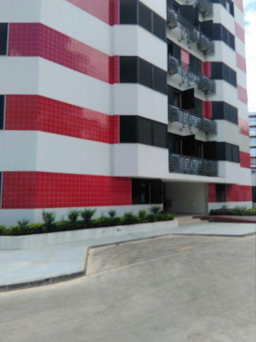 Aluga-se este apartamento no Talatona T3 no jardim do Talatona 6 andar