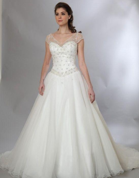 Rochie de mireasa stil printesa cu bolerou