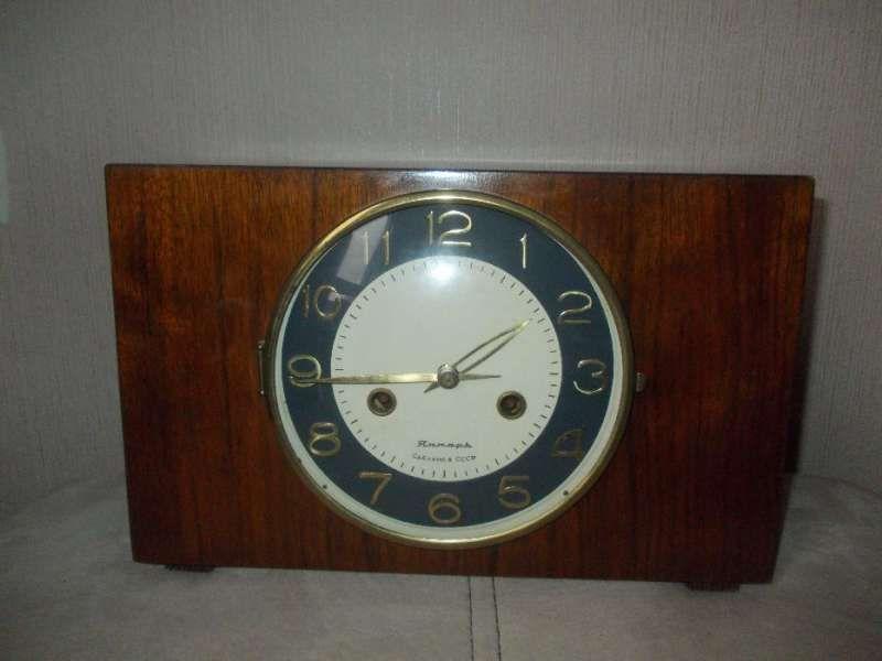Стар настолен часовник - янтар