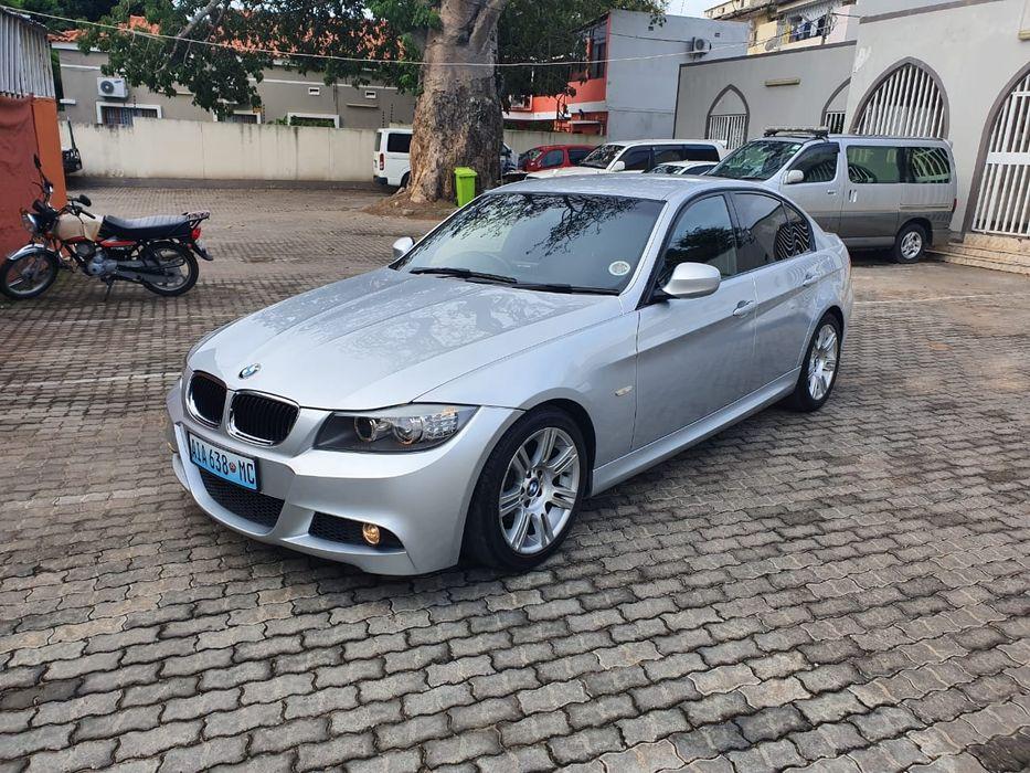 BMW 320i a venda Novo