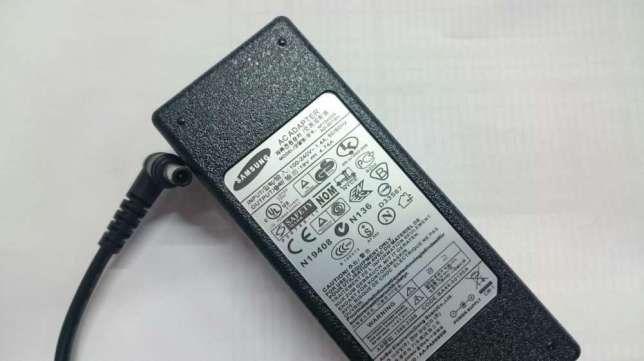 Блоки зарядки-адаптеры на любые модели ноутбуков + шнур для питания к