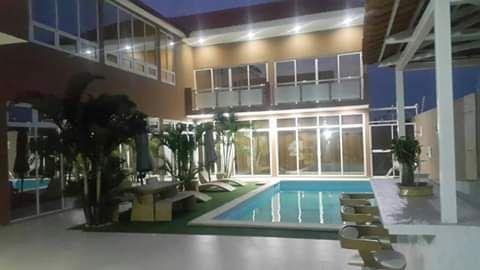 Vende-se uma vivenda no Benfica, Zona verde T6