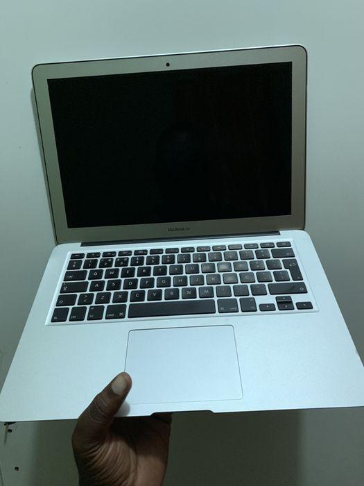 MacBook Air 13inc, Core i7, 8gb RAM, 128GB SSD Talatona - imagem 1