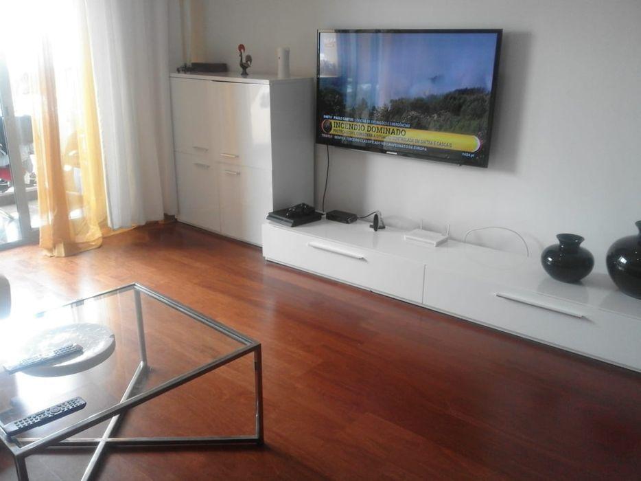 Vende-se Este Apartamento T3, no Cruzeiro.