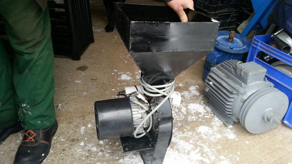 Moara macinat grau porumb cu motor 1.8kw 220v MACINA 10kg in 2min