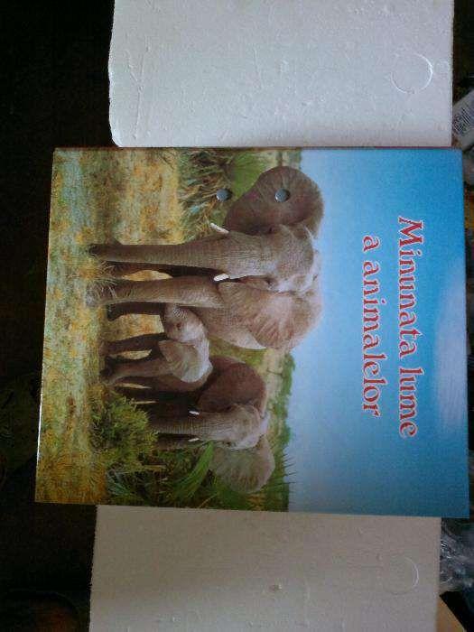 "Vând enciclopedie ""Minunata lume a animalelor"""