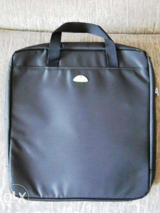 LUX ! Geanta SAMSONITE de laptop, originala, mare 36 x 36 cm, abs.noua