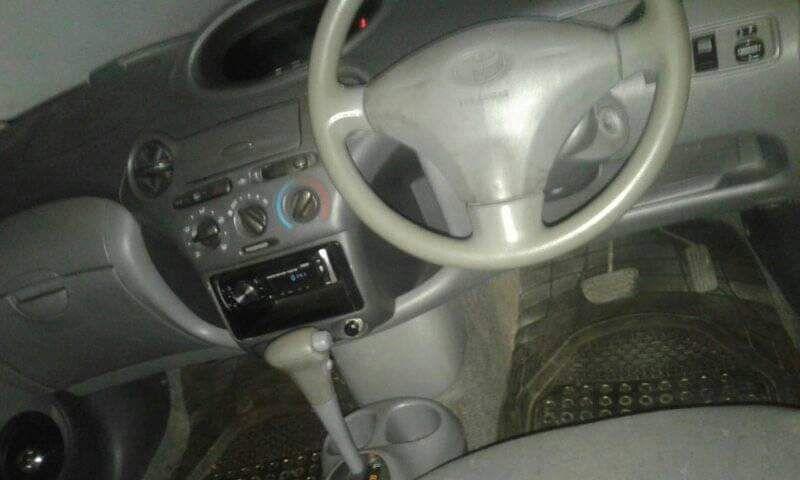 Toyota vitz bem conservado Alto-Maé - imagem 7