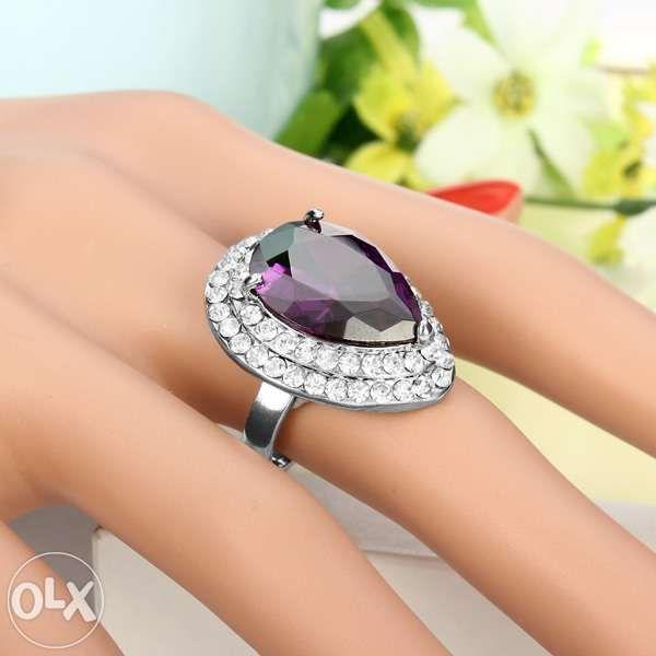 Vand inel cu piatra Zircon si cristale swarovski