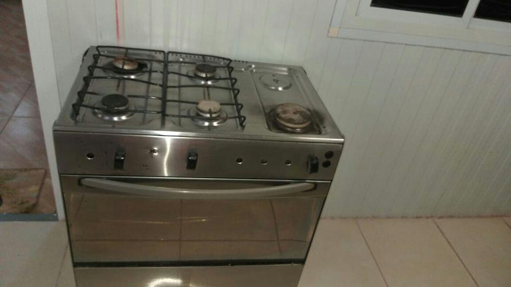 Fazemos manuteção e reparação em fogões a Gás e electricos. Todo tipo.