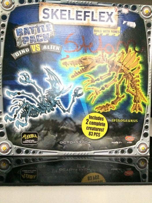 Skeleflex Spinosaurus vs Alien + T-Rex jo