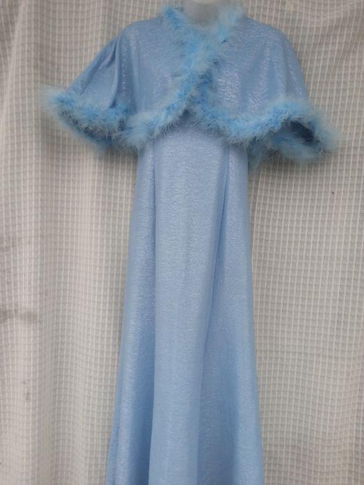 Бальное платье голубое