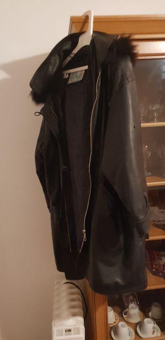 дълго кожено яке с качулка