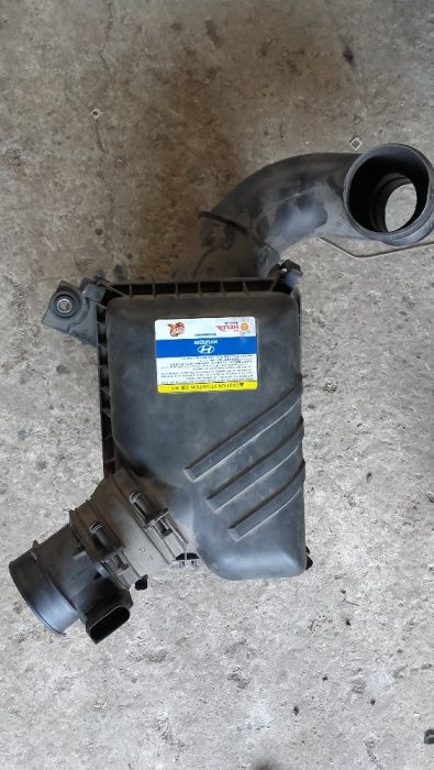 Carcasa filtru aer Hyundai Tucson 2009 rosu, 2.0 benzina, 4X4, 141 cai
