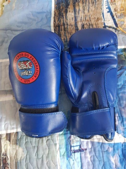 Профессиональные перчатки для тхэквондо