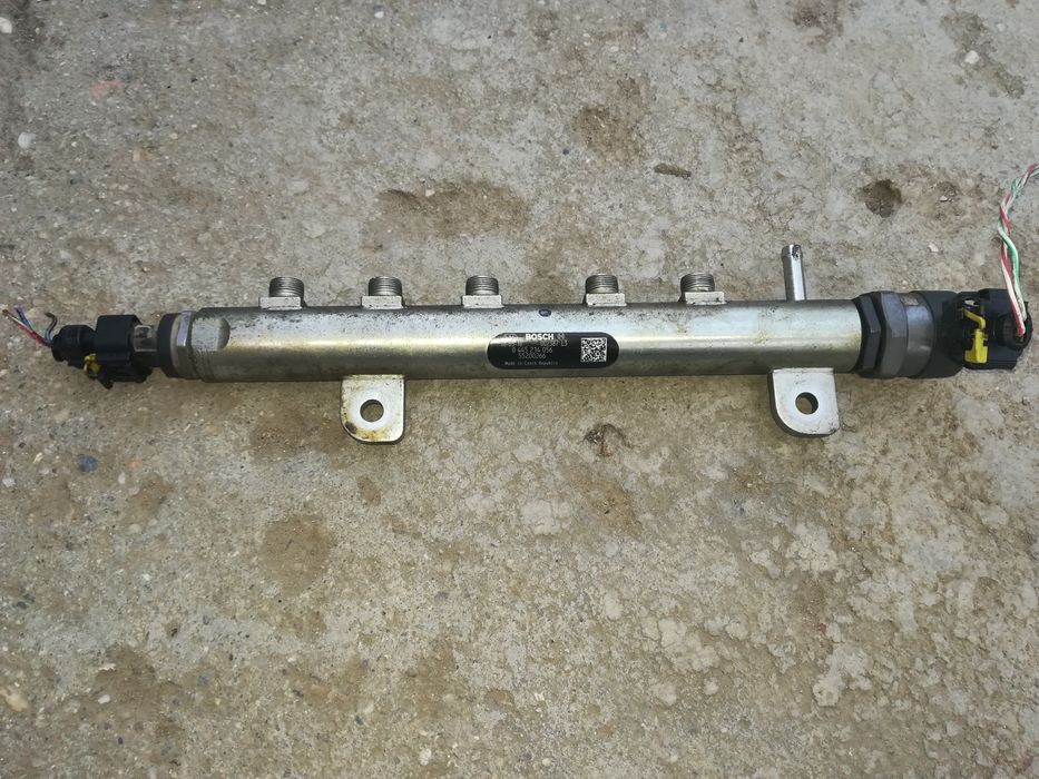Rampa injectoare Bosch Opel Zafira B