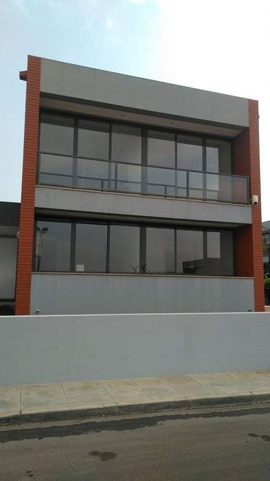 Condomínio Kyanda; vivenda T3+1 no TALATONA.