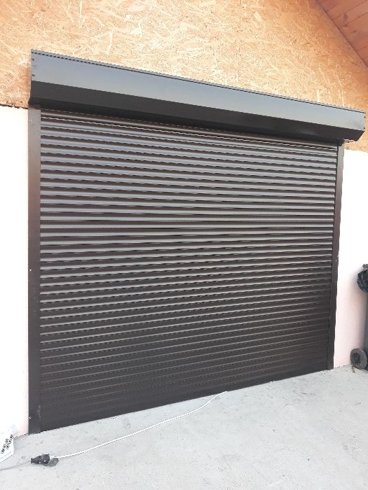 Usi garaj pe telecomanda