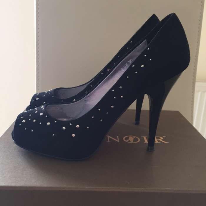 De vânzare pantofi deosebiți marca Cafe Noir, mărimea 36