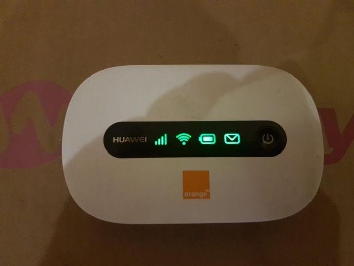 Router wifi portabil Huawei E5220