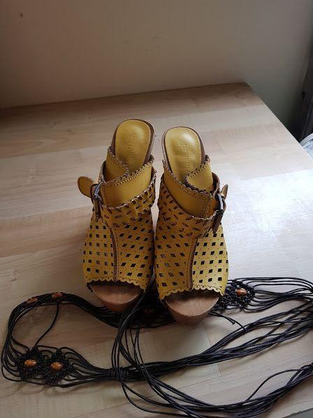 лот жълти дамски чехли №39 и колан
