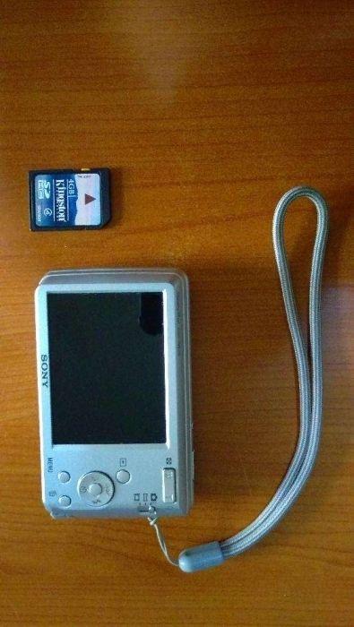 Vând aparat foto SONY DSC-W520