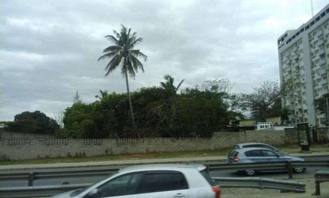 malhangalene,documentado,sita na avenida Joaquim chissano próximo ao m