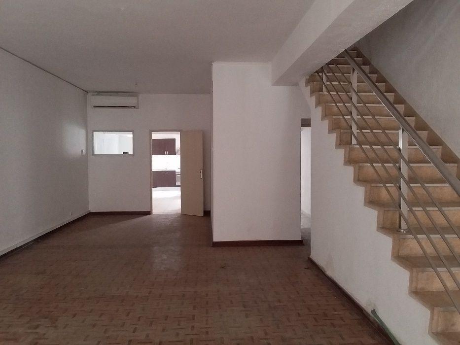 Vivenda T3+2 em aluguer - no Bairro Alvalade