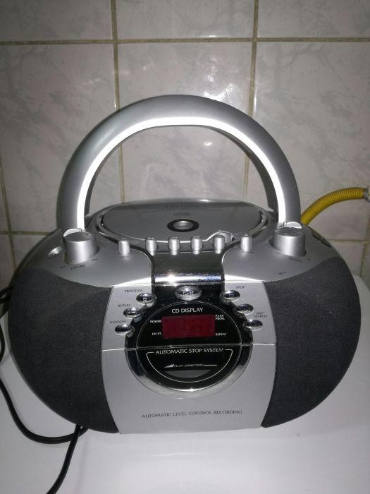 Vand cd player cu radio- casetofon