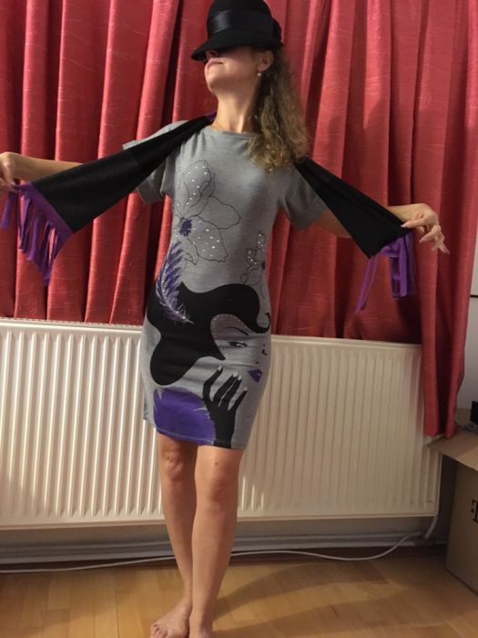 Rochita tricot cu model imprimat marime S + fular asortat