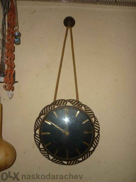 Стенен часовник антика