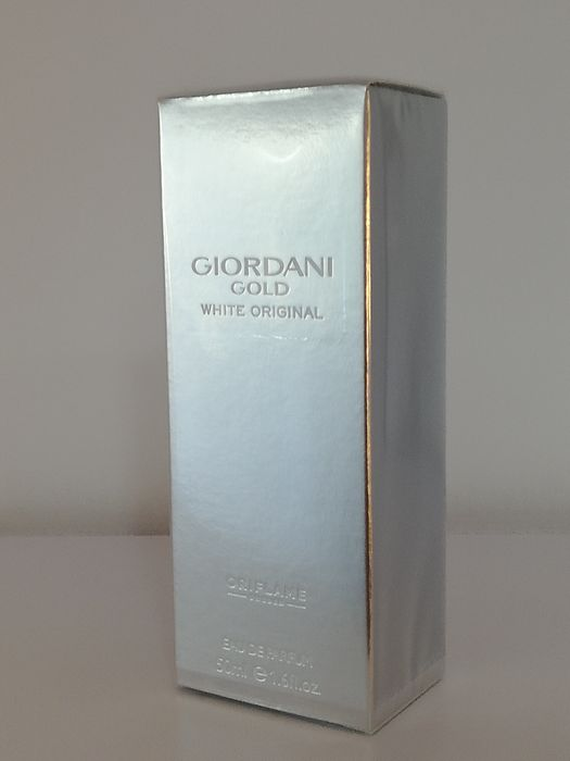 Apa de parfum Giordani White Gold
