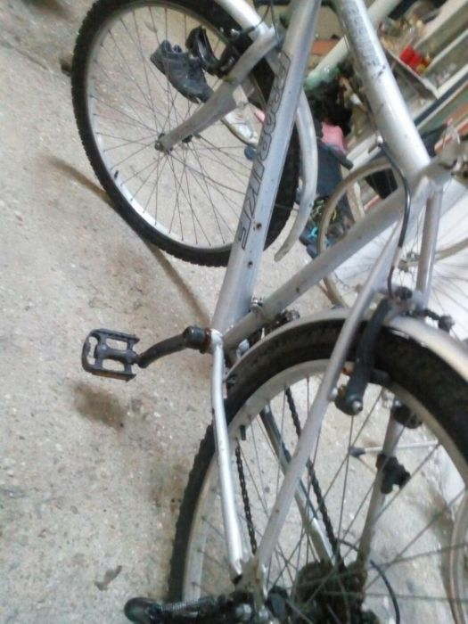 Velo-bicicletă