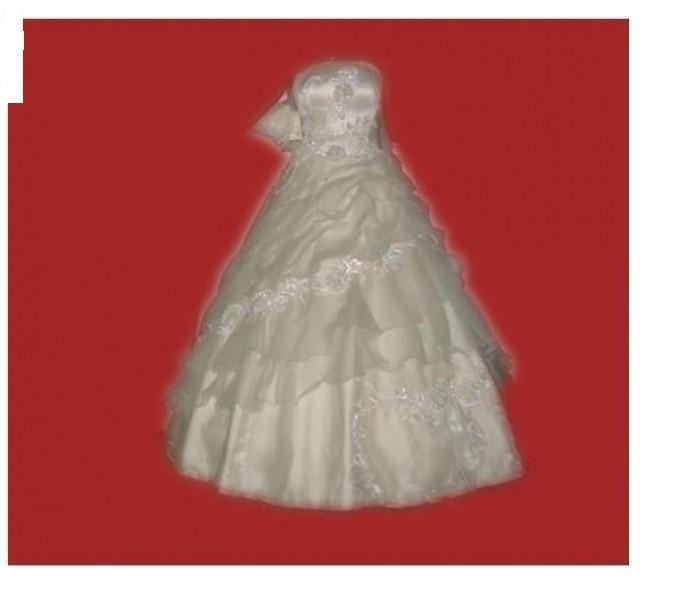 rochie mireasa superba de culoare crem marimea 46